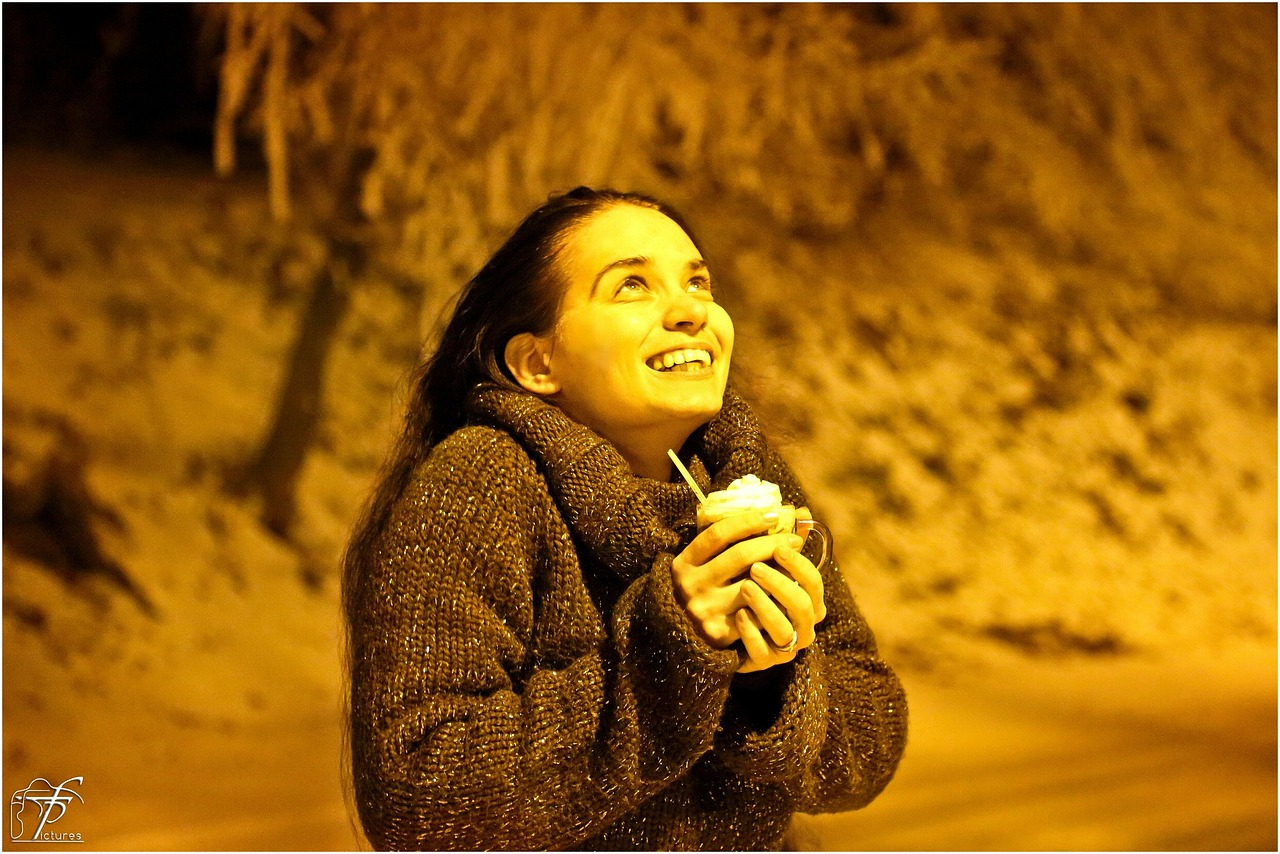 Happy, Smiling girl, Cold night